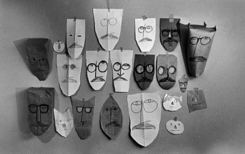 masques,picasso,calder,saul steinberg,Maurizio Cattelan,salvador Dali, Man Ray,lucy schwob,Robert Mapplethorpe