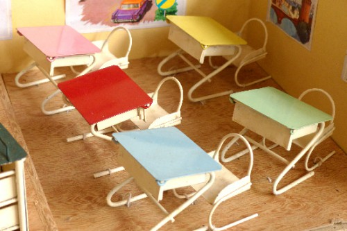 jeu,jouet,boby jouets,poupées,salle de classe