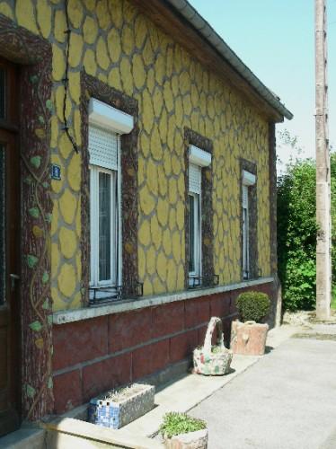 Somme,Picardie,anarchitecture,art populaire,art singulier,murs peints,art brut,inspirés du bord des routes,ciment coloré,personnages de ciment,arbre de ciment,rocaille
