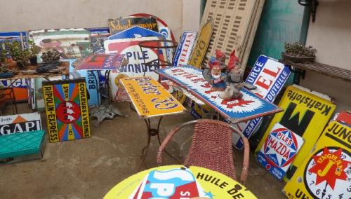 art populaire,art modeste,brocante,collections,dans la rue,plaques émaillées,réclame,publicité