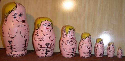 Matriochka post Tchernobyl, strange matriochka, matriochka bizarre, matriochka détournée, peinture, sculpture, Laurent Jacquy, Les Beaux Dimanches,art singulier, art modeste, art naïf,art populaire,outsider