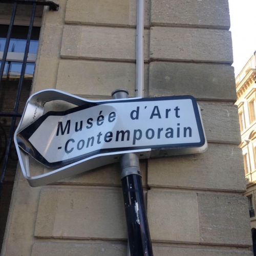 photo, humour,art contemporain tu pue