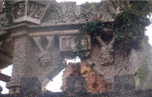 Boulogne la Grasse,château,art singulier,art brut,architecture,bâtisseur