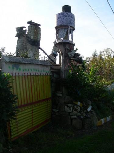 Rocquencourt, Oise, architecture insolite, création franche, anarchitecture, photo Laurent Jacquy, art brut, art singulier