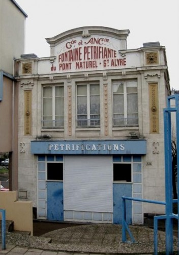 Fontaine pétrifiante,pétrification,carte postale,collection,La Petite Revue, collection,cartes postales anciennes