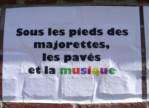 affiches, dans la rue, pochoir, collages