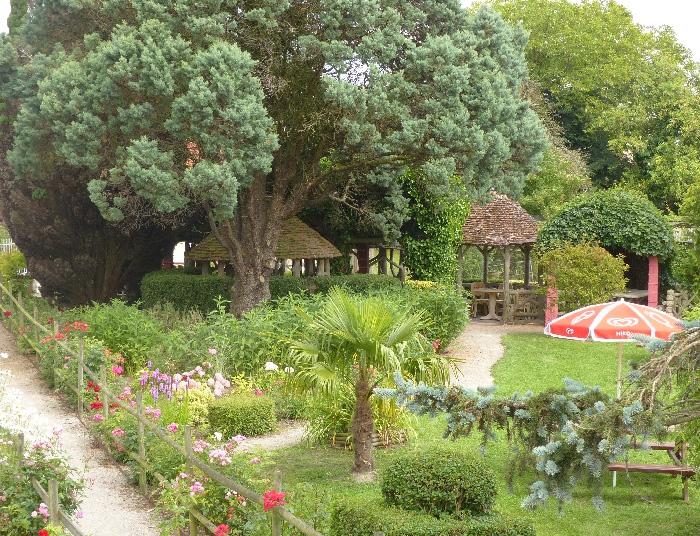 Art singulier les beaux dimanches for Jardin singulier 2015
