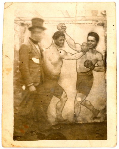 Photographie ancienne,peinture trompe l'œil,collection les Beaux Dimanches, collection L. Jacquy