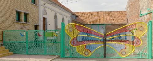 inspirés du bord des routes,art singulier,art populaire,portails,portes,portillons,portails papillons