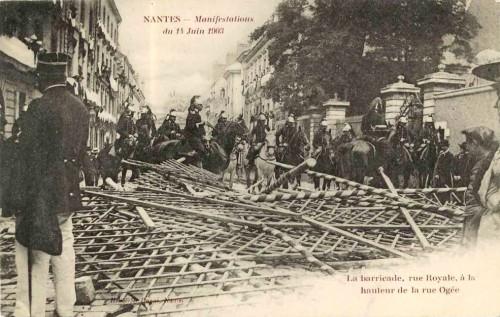 Cartes postales anciennes, barricades, révolution, la commune, barricades a Paris, Barcelone, Limoges, Alger, carte postale, Nantes